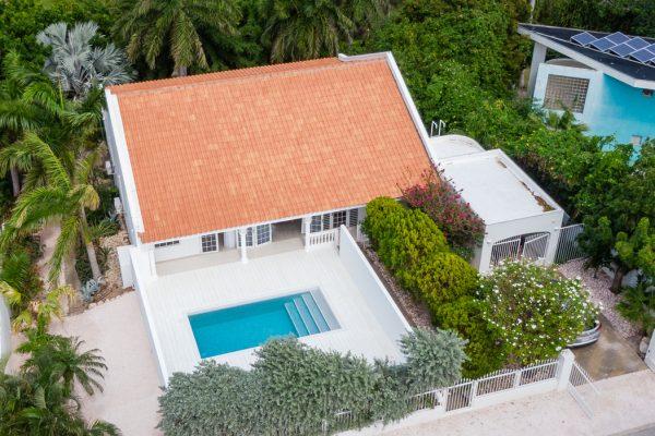 Stijlvolle villa met zwembad en tropische tuin – Cas Grandi